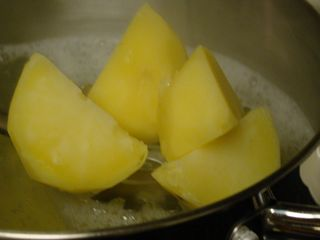 Boiled Potatoes_Crumbling